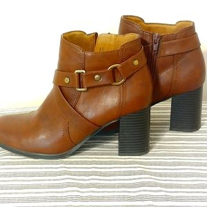 Natural Soul Women Brown Ankle Boots Size 8